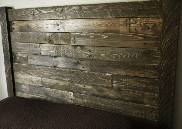 Кровать со старых досток
